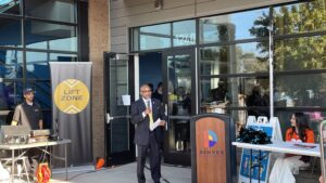 Comcast Showcases New Lift Zone at City of Denver Youth Empowerment Center