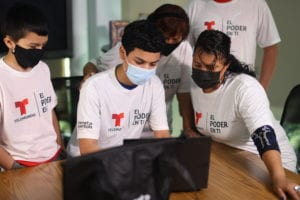 Comcast and Internet Essentials Partner to Help the Tejano Center Bridge the Digital Divide