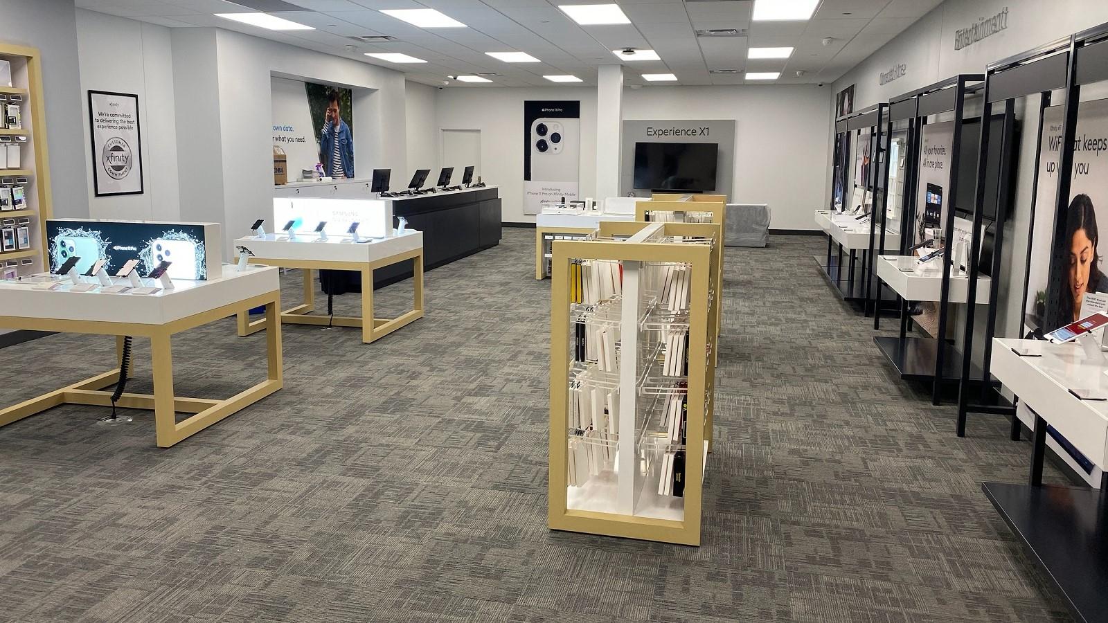 interior of Irwin Xfinity store